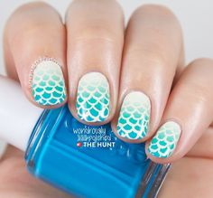 Happy #manimonday! I've got a tutorial for this mermaid-y look up on thehuntofficialblog's page today! Love how these turned out :)