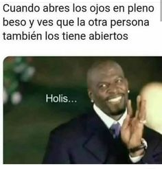 Image about kiss in Frases/memes by Jenny Valdez Funny V, Funny Memes, Jokes, Mexican Memes, Stranger Things Netflix, Comedy Central, True Facts, Bts Memes, I Laughed