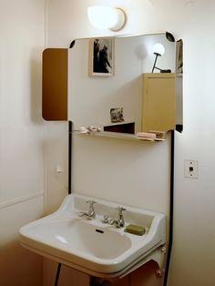 En juillet 2015, l'appartement-type de Le Corbusier sera investi par des étudiants en design. Objets fonctionnels du quotidien viennent meubler cet espace à la fois convivial et ergonomique de la ... #maisonAPart