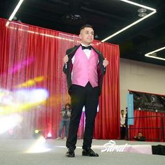Expo Quinceañera Nw David Guadarrama  Modelando traje de Mr formal  En el Gran… Formal, Photo And Video, Concert, David, Instagram, Templates, Outfits, Preppy, Recital