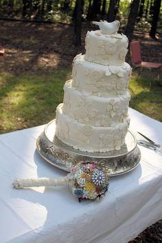 wedding cake and brooch boquet