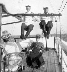 Apparently the Tsar Nicholas II was a funny pal - Imgur