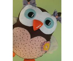 Torne o seu quarto mais delicado e charmoso com um almofada de coruja com as cores da sua decoração!
