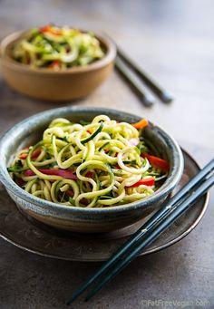 Zucchini Noodles with Sesame-Peanut Sauce recipe by Fat Free Vegan Kitchen Zucchini Pasta Recipes, Raw Food Recipes, Veggie Recipes, Vegetarian Recipes, Cooking Recipes, Healthy Recipes, Healthy Zucchini, Zoodle Recipes, Ovo Vegetarian