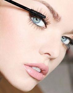 Trucos de maquillaje para alargar las pestañas. Efecto pestañas postizas naturales ¡al instante!