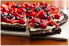 Brownie 'n Berries Dessert Pizza, Gluten Free « Pure Complex