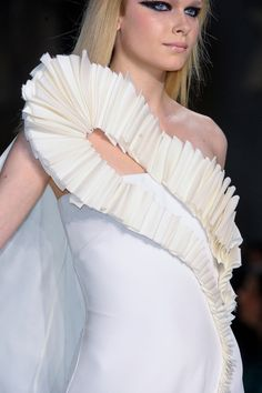 3D Appliqué dress with folded fabric structure to create pattern & texture - fabric manipulation for fashion; garment design details // Stéphane Rolland