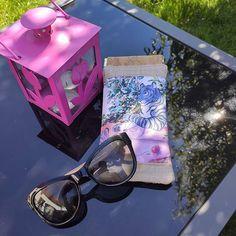Audrey Leroy sur Instagram: Un indispensable de l'été : l'étui à lunettes ! Les solaires seront dans leur écrin de liège et de lin (tissus de @lamerceriedescreateurs…