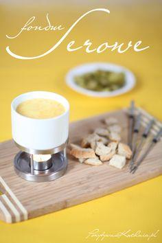 Szwajcarskie fondue - #przepis na serowe #fondue krok po kroku  http://pozytywnakuchnia.pl/fondue/  #kuchnia #przekaska #kolacja