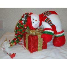 Snowman hugging present Felt Christmas Decorations, Christmas Stockings, Christmas Ornaments, Handmade Christmas, Christmas Fun, Xmas, Snowman Crafts, Felt Crafts, Holiday Crafts
