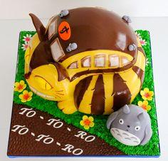 totoro cakes | Celebrate with Cake!: Totoro Cat Bus Cake