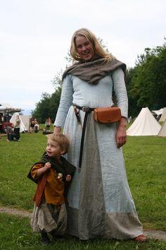 Takk for i år - Trondheim vikingmarked 2011 (Vikingsnitt)...I'm going to dress my kids up like this, so cute.