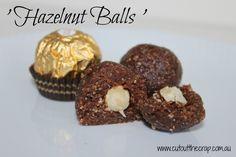 Hazelnut Balls - inspired by the Ferrero Rocher - Gluten free, Dairy free… Dairy Free Treats, Paleo Treats, Vegan Snacks, Easy Snacks, Dairy Free Recipes, Raw Food Recipes, Snack Recipes, Gluten Free, Blender Recipes