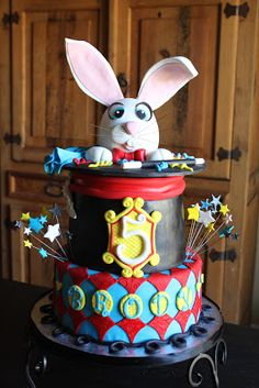This cake was designed for a boy who was having a Magician Themed birthday party! He celebrated his birthday with friends and family on a b. Magic Birthday, 5th Birthday Party Ideas, Circus Birthday, 4th Birthday, Circus Party, Birthday Cakes, Circus Theme Cakes, Themed Cakes, Mini Tortillas