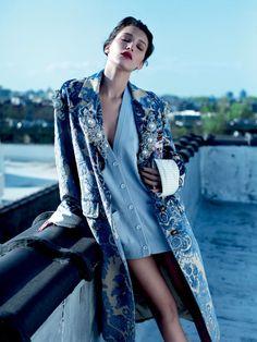A Sensualidade da Modelo Bella Hadid nos Looks Capturados por Mathieu Cesar  Fragmentos de Moda