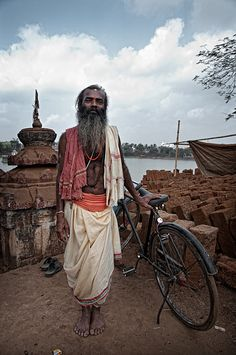hiddenpeponi: Me and my bicycle. Bhubaneswar by Яachel caЯbonell Indian Colours, Amazing India, Urban Bike, Human Emotions, We Are The World, Varanasi, Bicycle Design, Photo Essay, Aesthetic Fashion