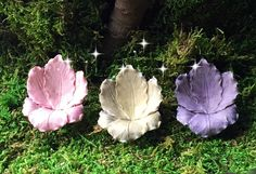 These beautiful little Iris flower chairs are perfect for any fairy garden. What is better than a chair made out of a flower? :)  Dimensions: 2.25″ Tall, 2″ Wide and 1.75″ Deep with 2″ Metal Pick  Fairies are available in separate listings.  This item is not handmade by Dream Fairy Gardens but was thoughtfully selected as a supply for creating your own miniature gardens. Selected items represent the quality that you have come to expect from Dream Fairy Gardens!  Thank you for supporting…