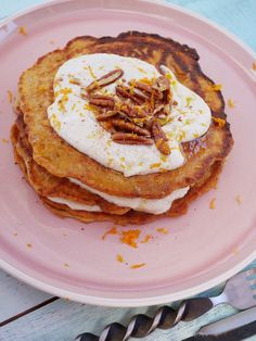 If you are a carrot cake fan, these will suit you well for a bit of a special weekend breakfast or just because you are in the mood! Carrot Cake Pancakes, Lemon Ricotta Pancakes, Crepes And Waffles, Thermomix Recipes Healthy, Healthy Eating Recipes, Bacon Breakfast, Breakfast Cake, Thermomix Pancakes, Doterra Recipes