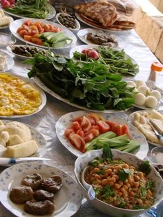 Palestinian Breakfast ... No recipes, just great memories. The Arabs know how to eat ... I miss you Palestine, I miss you Syria ... kd