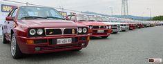 Una fila di Lancia Delta partecipanti ad Amiki Miei
