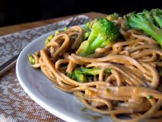 Miracle Pasta Noodles & Broccoli in Peanut Sauce. (If you cannot find Miracle Noodles you can use rice noodles or whole wheat. Rice noodles would give it the same texture. Pb2 Recipes, Sauce Recipes, Asian Recipes, Cooking Recipes, Cooking 101, Chinese Recipes, Noodle Recipes, Meal Recipes, Yummy Recipes