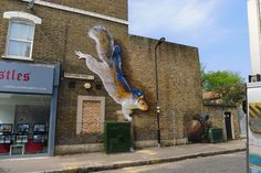 Towering Animals by 'Irony & Boe' Stalk the Streets of London   Colossal