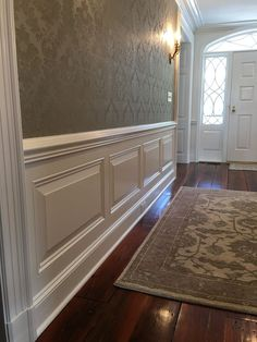 Is Paneling Walls good for Home Improvement? Wainscoting Wall, Dining Room Wainscoting, Wainscoting Styles, Home Decor Bedroom, Home Living Room, Living Room Decor, Home Room Design, Living Room Designs, House Design