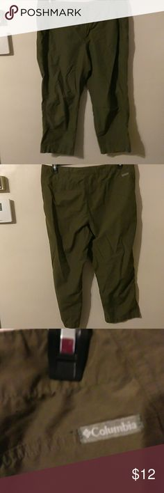 Colombia olive green capris Zip fly and draw string waist Columbia Pants Capris