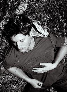 Beautiful baby boy Jensen Ackles. Shhhhhh, he's sleeping.