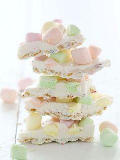 White Chocolate Crispy Marshmallow Bark ~ http://iambaker.net