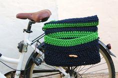 Alforjas dobles de crochet para bicicleta por Crocheclette en Etsy
