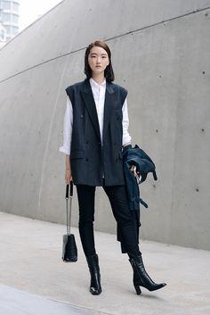 Streetstyle: Yang Da Om at Seoul Fashion Week shot by Kim Jin Yong