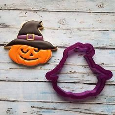 SugarBliss Cookies Scarecrow or Witch Pumpkin Cookie Cutter or Fondant Cutter and Clay Cutter Fall Cookies, Iced Cookies, Pumpkin Cookies, Sugar Cookies, Halloween Cookies Decorated, Halloween Decorations, Decorated Cookies, Sugar Cookie Royal Icing, Cookie Frosting