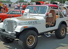 Daisy Duke's Golden Eagle - When I was little I wanted this jeep.