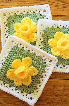 [Free Pattern] Extraordinarily Beautiful Daffodils Square with Pop-up Petals