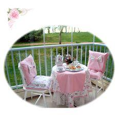 duck kumaştan pikolu kişiye özel tasarlanan masa örtüsü ve incili runner ile fıyonklu sandalye minder kılıflarından olusuyor. Outdoor Furniture, Outdoor Decor, Chair, Home Decor, Balcony, Recliner, Homemade Home Decor, Decoration Home, Chairs
