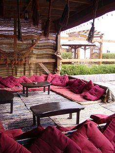 Bedouin tent in shark was great Outdoor Spaces, Outdoor Living, Outdoor Decor, Hookah Lounge Decor, Interior Exterior, Interior Design, Bedouin Tent, Front Room Decor, Tent Decorations
