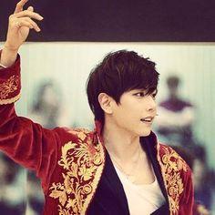 Shin, Hit Songs, Musical Theatre, Korean Singer, Boy Or Girl, Musicals, Kpop, Actors, Park