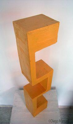 """Construcción "", madera policromada, 14 x 18 x 92 cm , 2015/1016. Por Diego Manuel."