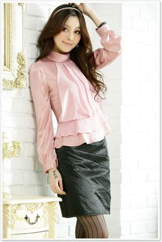 minus the leather skirt....love the pink blouse