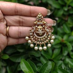 Gold jewelry fashion - Don't Miss These 30 South Indian Antique Gold Jewellery Designs – Gold jewelry fashion Indian Jewelry Earrings, Jewelry Design Earrings, Gold Earrings Designs, Gold Jewellery Design, Antique Earrings, Gold Jewelry, Indian Gold Jewellery, Gold Necklace, Buy Earrings