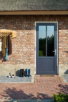 Door Ideas, Ramen, Garage Doors, Windows, Outdoor Decor, Modern, House, Home Decor, Trendy Tree
