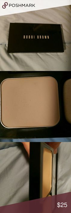 Bobbi Brown Weightless Powder Foundation Bobbi Brown Weightless Powder Foundation. Color is Warm Ivory 01. Used probably 5-6 times. Slight dip in middle of pan, but nowhere near hitting bottom. Not my color. Bobbi Brown Makeup Foundation