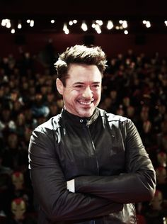 RDJ promoting iron man 3 in moscow