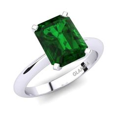 Buy the highest quality Emerald - Engagement Rings at GLAMIRA. ✓Wide range of Emerald - Engagement Rings ☆Customize yourself now. Choosing Your Engagement Ring, Green Engagement Rings, Engagement Ring Styles, Glamira Ring, Sapphire Band, Green Diamond, Love Bracelets, Vintage Rings, Emerald