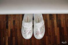 Brautschlapfen #fun #brudesstuff #shoes #bride #weddinginspiration #weddinginspo #weddingshoes Margarita, Sneakers, Shoes, Fashion, Tennis Sneakers, Sneaker, Zapatos, Moda, Shoes Outlet