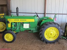 John Deere Tractor #1 Convenience Goods Other Rare Pin Badge
