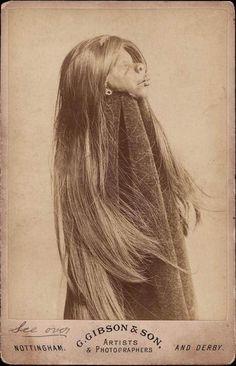 An authentic shrunken head.  (please follow minkshmink on pinterest) #scary #freak