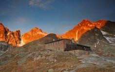 Téryho Chata High Tatras, Dark Eyes, Half Dome, Cottages, Mount Everest, Castle, Mountains, History, Travel