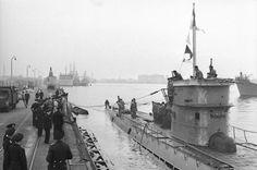 U-37 docked at Wilhelmshaven on 18 April 1940.